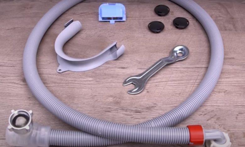 Bild von Waschmaschine anschließen mit Zulauf und Ablauf